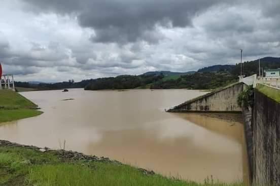 Defesa Civil justifica a decisão de manter as comportas fechadas na Barragem Sul
