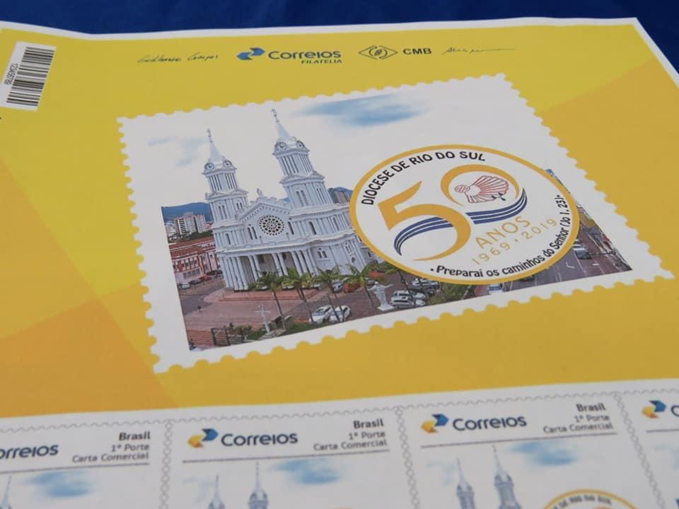 Diocese de Rio do Sul lança selo comemorativo ao Jubileu Diocesano