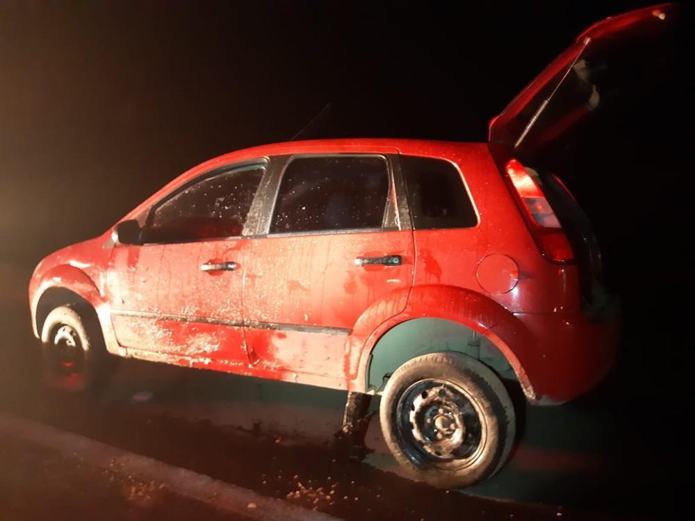 Dois homens morrem atropelados trocando pneu de carro no Alto Vale