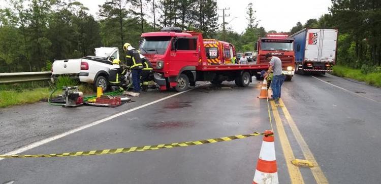 Duas pessoas morrem em grave acidente no Alto Vale do Itajaí