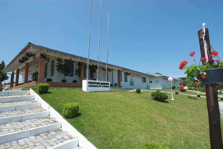 Equipamentos agrícolas são entregues em Chapadão do Lageado