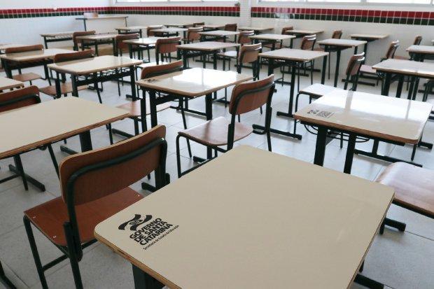 Escolas estaduais preparam volta de atividades presenciais em regiões em amarelo no mapa de risco da Saúde