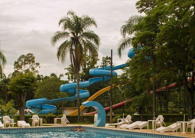 Estado anuncia a liberação parcial de eventos sociais e parques aquáticos