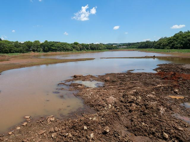 Estiagem afeta o município de Imbuia que auxilia agricultores na abertura de poços artesianos