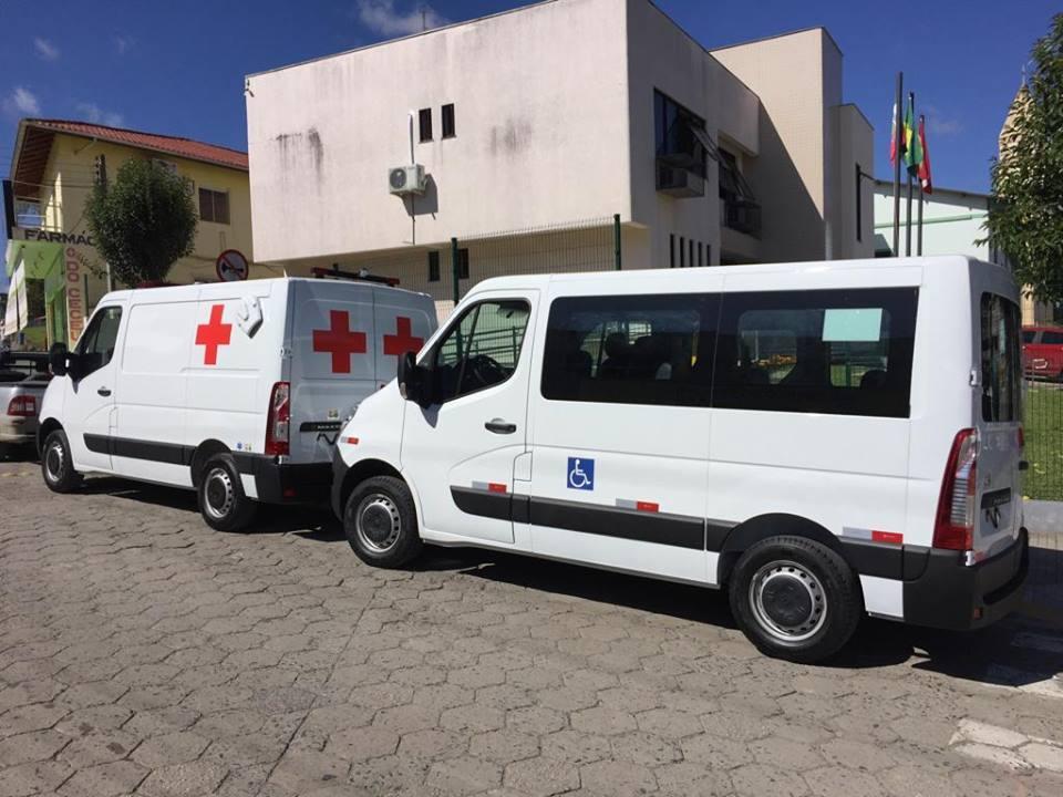 Frota da Saúde de Bom Retiro é reforçada com a entrega de dois novos veículos