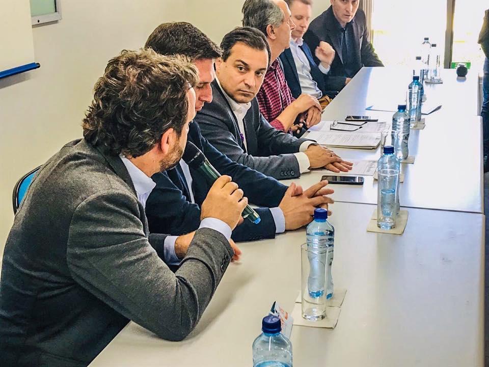 Governador Carlos Moisés vai receber Prefeitos da AMAVI