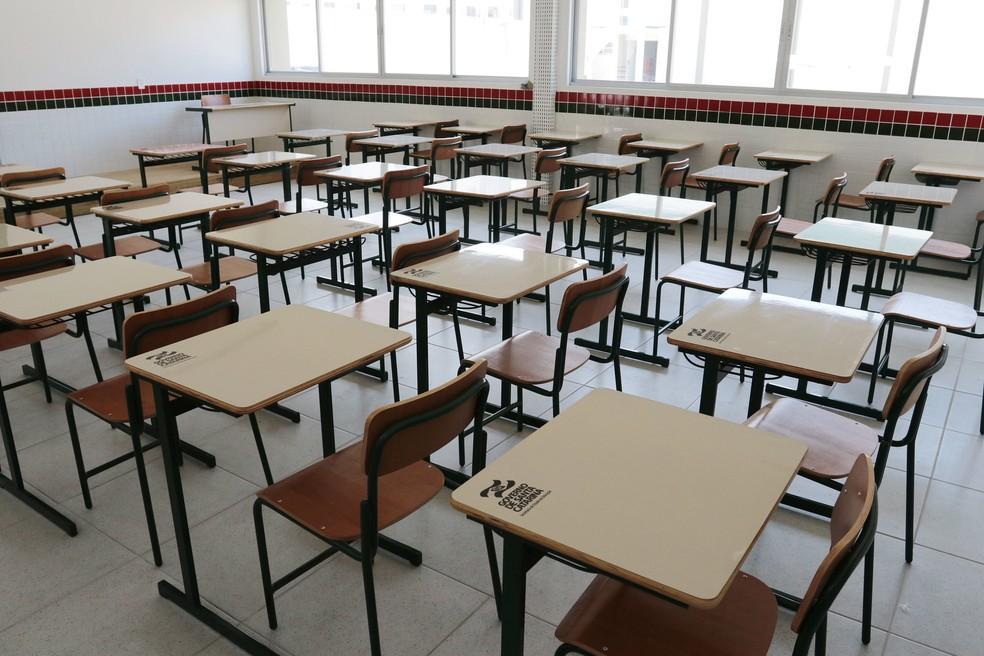 Governo de SC autoriza atividades presenciais nas escolas em regiões de risco grave para coronavírus