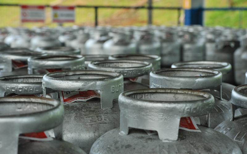 Governo estuda venda de botijões de gás