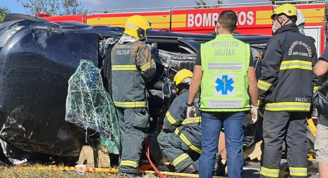 Grave acidente na BR-470 mobiliza bombeiros de três cidades