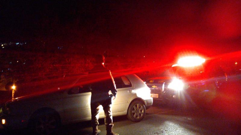 Homem embriagado é preso dirigindo em zigue-zague na BR-470 em Rio do Sul