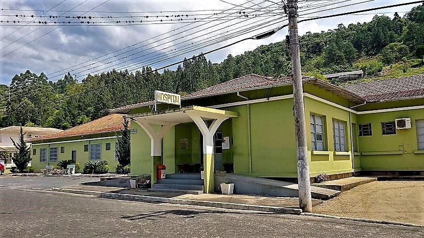 Hospital de Alfredo Wagner foi interditado na tarde desta terça-feira (20)