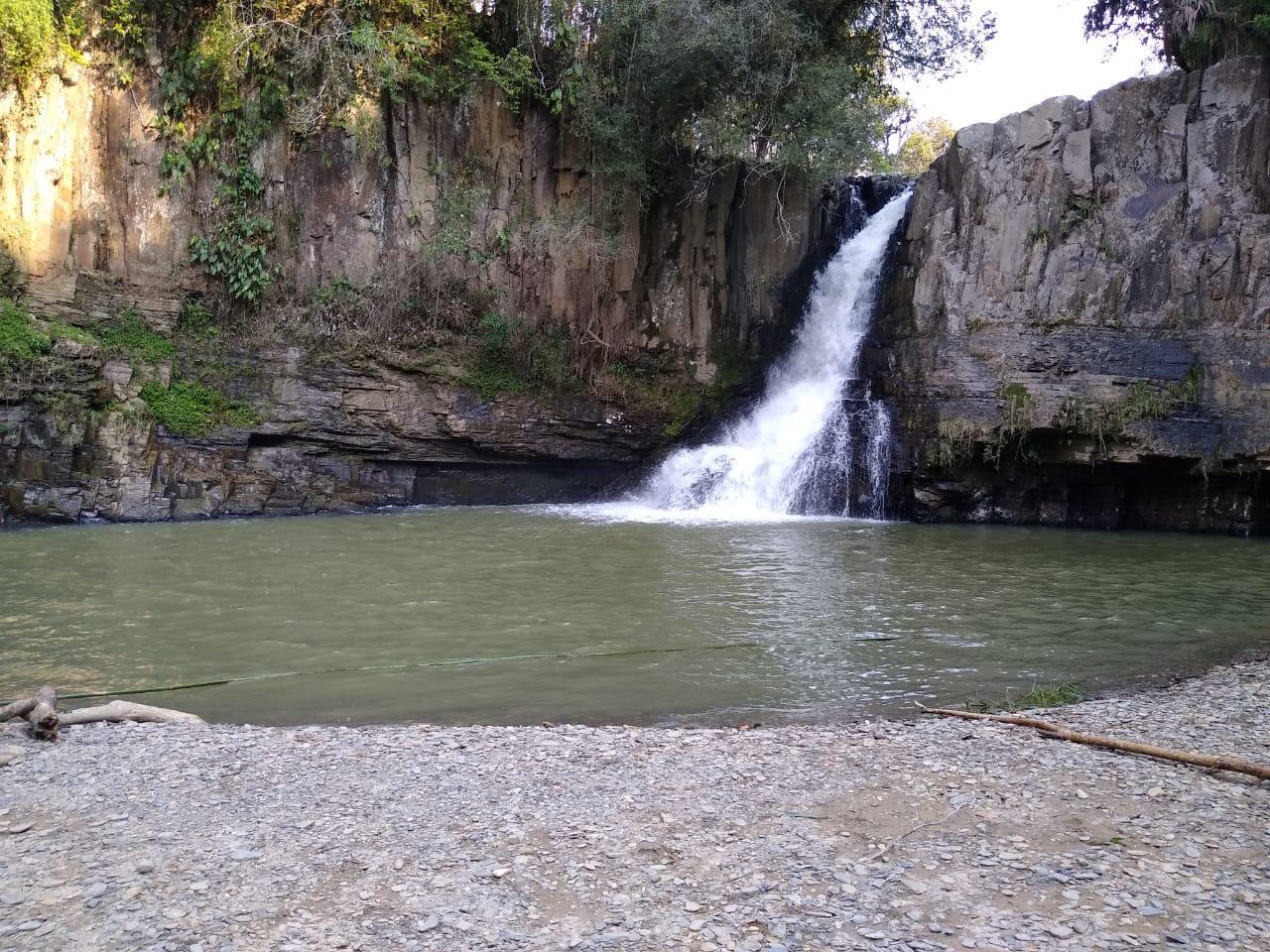Jovem de 22 anos morre afogado em cachoeira em Vidal Ramos