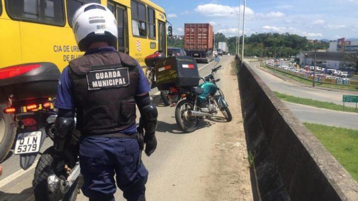 Ladrão é preso após furtar viatura da Polícia Militar Rodoviária em SC