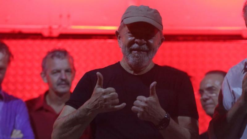 Lula pede liberdade 48 minutos após decisão de Marco Aurélio