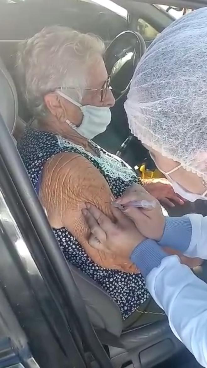 Mais de 160 idosos de 80 a 89 anos foram imunizados contra a Covid-19  no sábado em Ituporanga