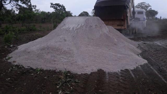 Mais de duas mil toneladas de calcário foram distribuídas em Imbuia