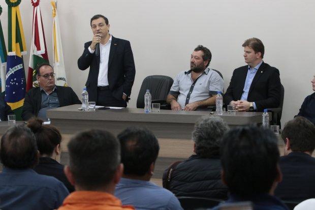 Ministro e governador liberam R$ 21 milhões para recuperação da barragem de José Boiteux
