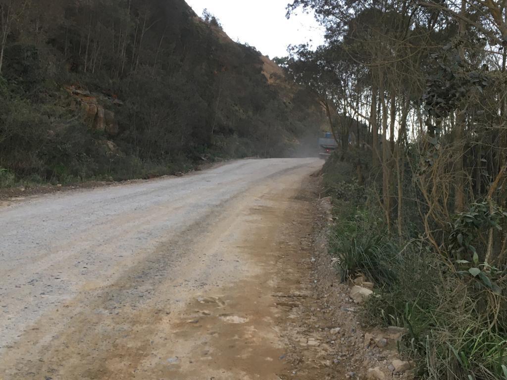 Moradores de Imbuia cobram conclusão de rodovia