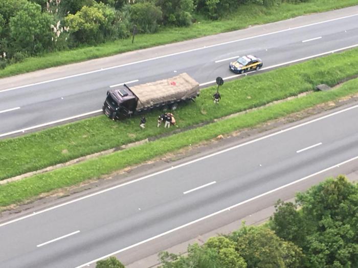 Motorista é preso no Paraná após 63 km de manobras perigosas