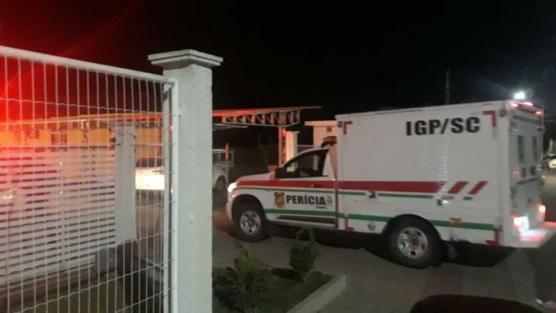 Mulher e filha mortas em Ibirama estavam tentando fugir do apartamento, afirma PM
