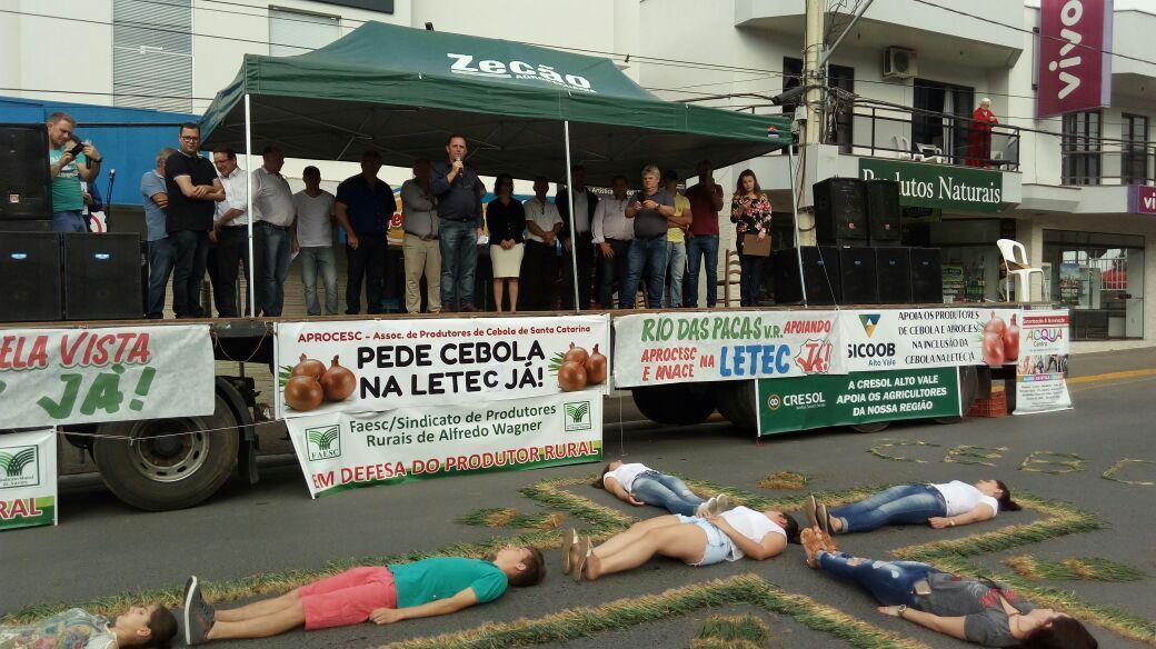 2º Grito pela Cebolicultura reúne milhares de produtores em Ituporanga