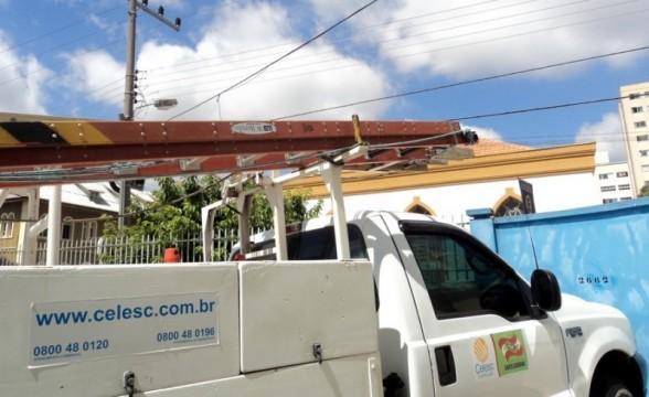44 mil unidades do Alto Vale ficaram sem energia elétrica no final da tarde desta segunda-feira