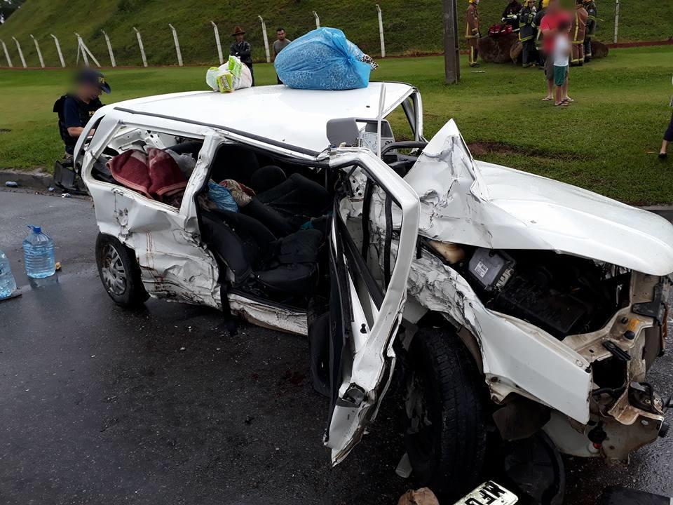 Acidente envolve três veículos na BR-470 em Ibirama