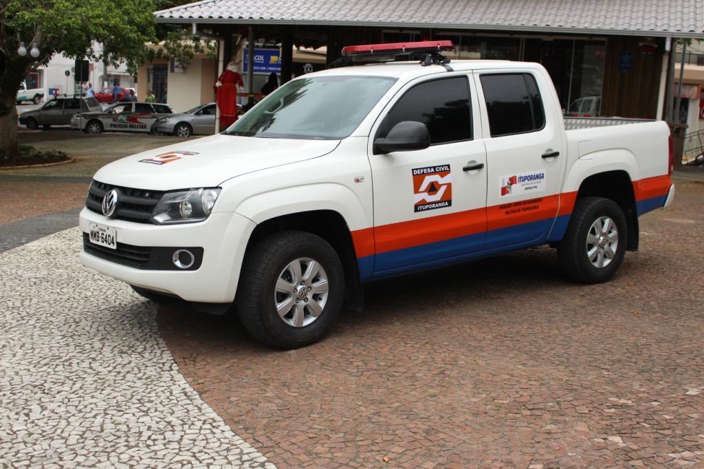 Administração de Ituporanga recebe veículo do Corpo de Bombeiros