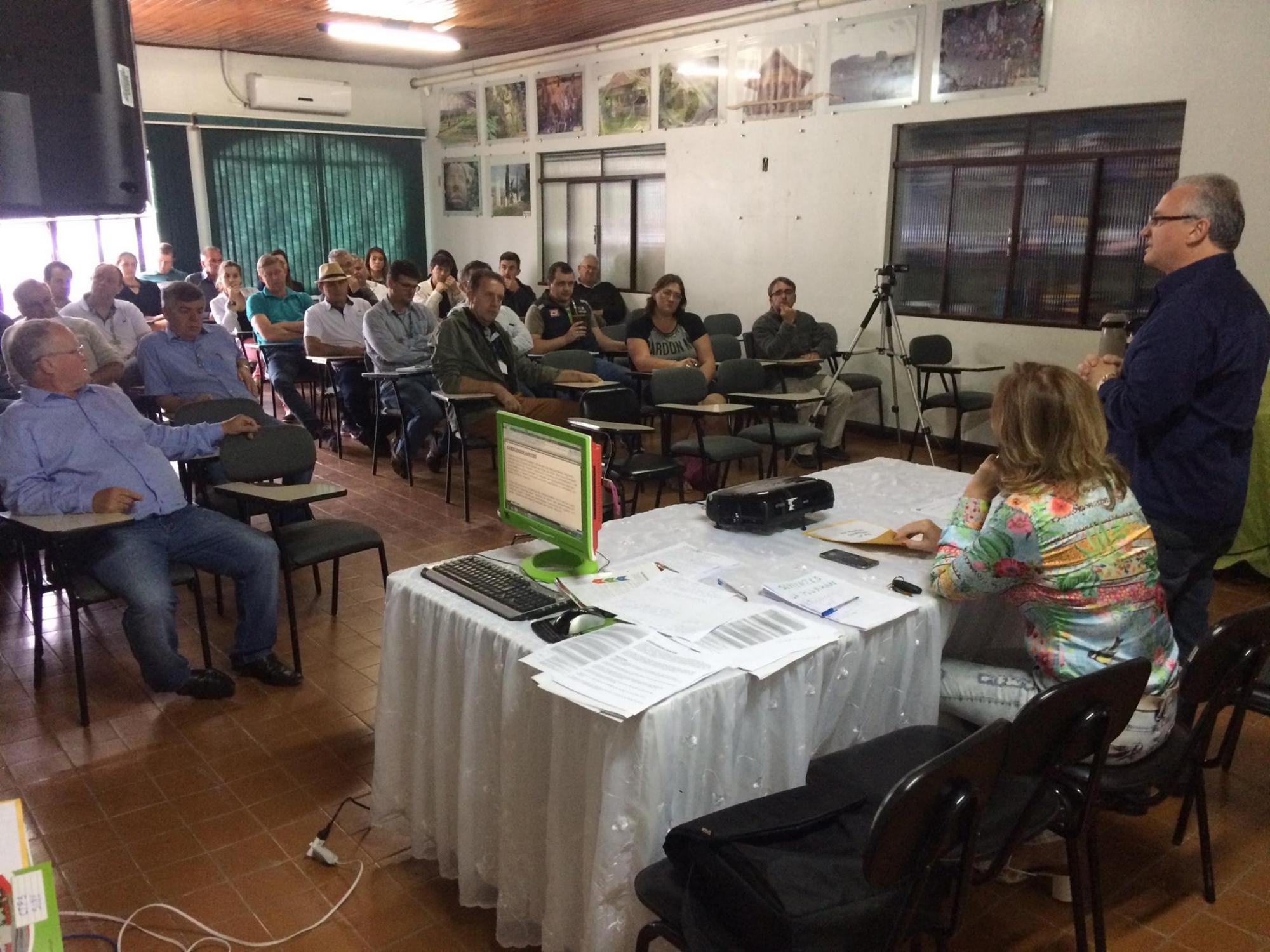 ADR de Ituporanga distribui larvicida para o controle de borrachudos na Região da Cebola