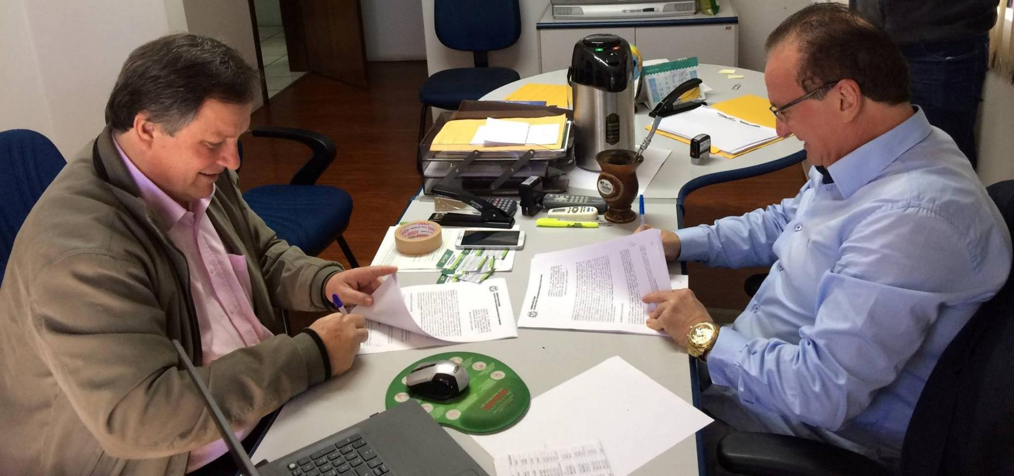 ADR de Ituporanga firma convênios com os municípios de Aurora, Leoberto Leal e Vidal Ramos