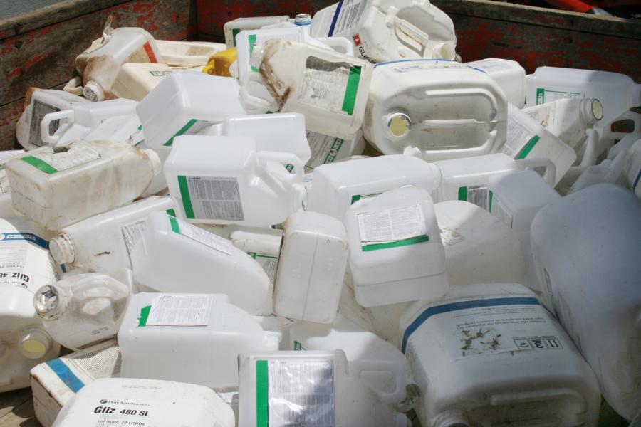 Agricultores de quatro comunidades poderão fazer neste sábado a entrega de embalagens vazias de agrotóxicos