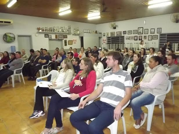 Amamentação é abordada no curso de gestante em Vidal Ramos