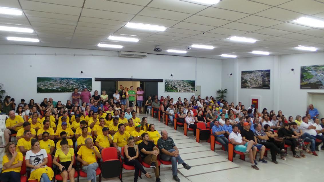 Aprovado em primeiro turno projeto que retira gratificação de regência a professores ACTs