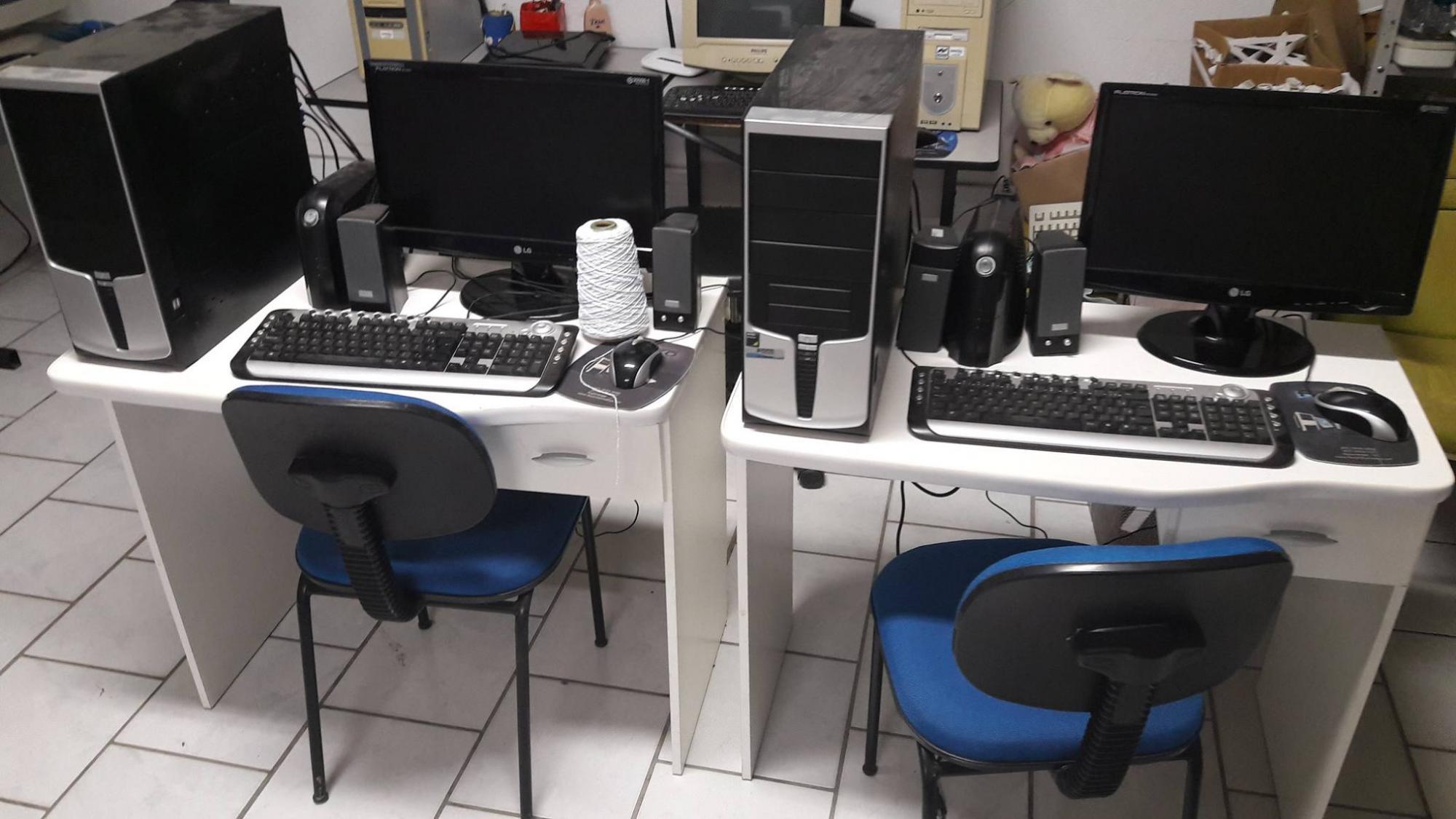 Associação de Pequenos Produtores Rurais de Águas Negras faz doação de computadores para entidades de Ituporanga