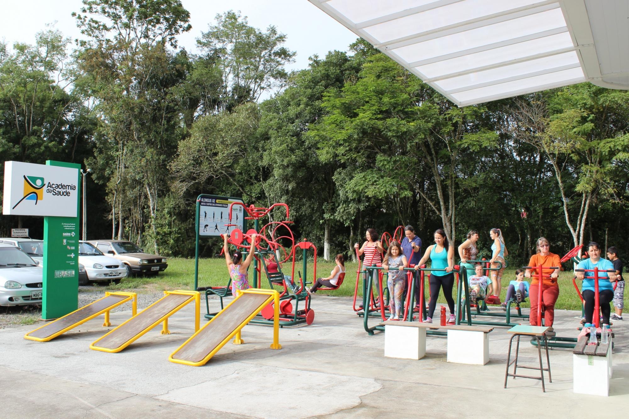 Aulas de jump, ginástica e exercícios funcionais são oferecidas na Academia de Saúde, em Petrolândia