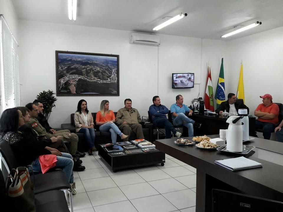 Aurora realiza campanha de preservação do Rio Itajaí do Sul