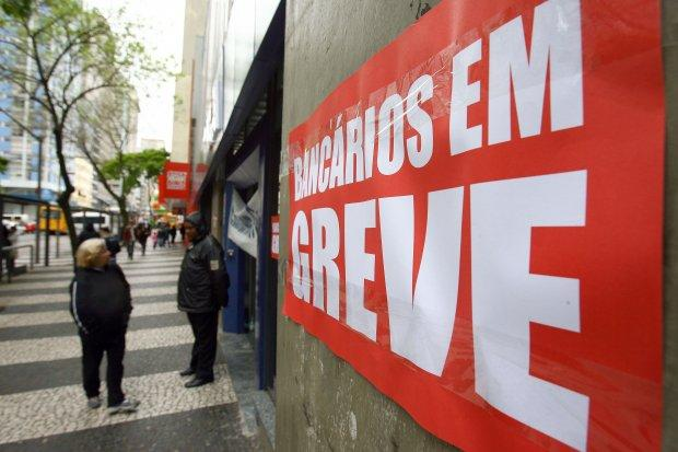Bancários do Alto Vale não descartam greve no mês de setembro