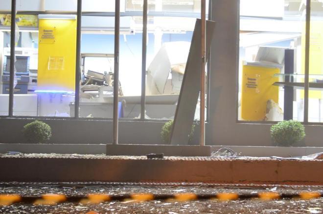 Bandidos explodem caixas eletrônicos em Rio do Campo, no Alto Vale do Itajaí