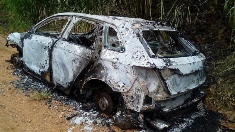 Carro furtado é encontrado queimado em Ibirama