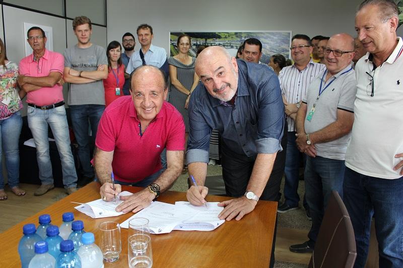 Casan firma contrato de investimentos em Ituporanga