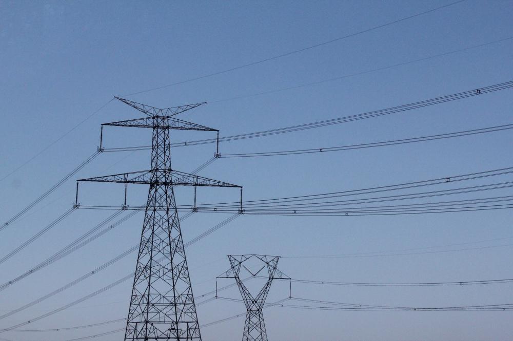 Celesc investe na instalação de novas redes de energia elétrica no interior de Vidal Ramos