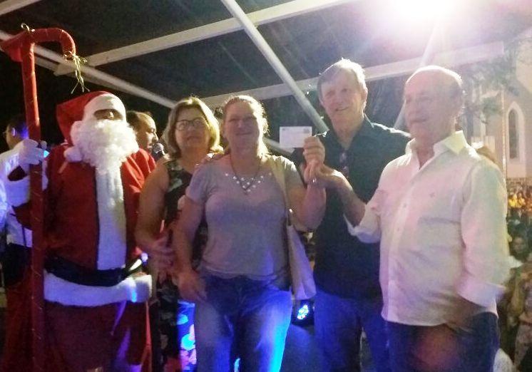 Centenas de pessoas prestigiam abertura do Natal Show em Ituporanga