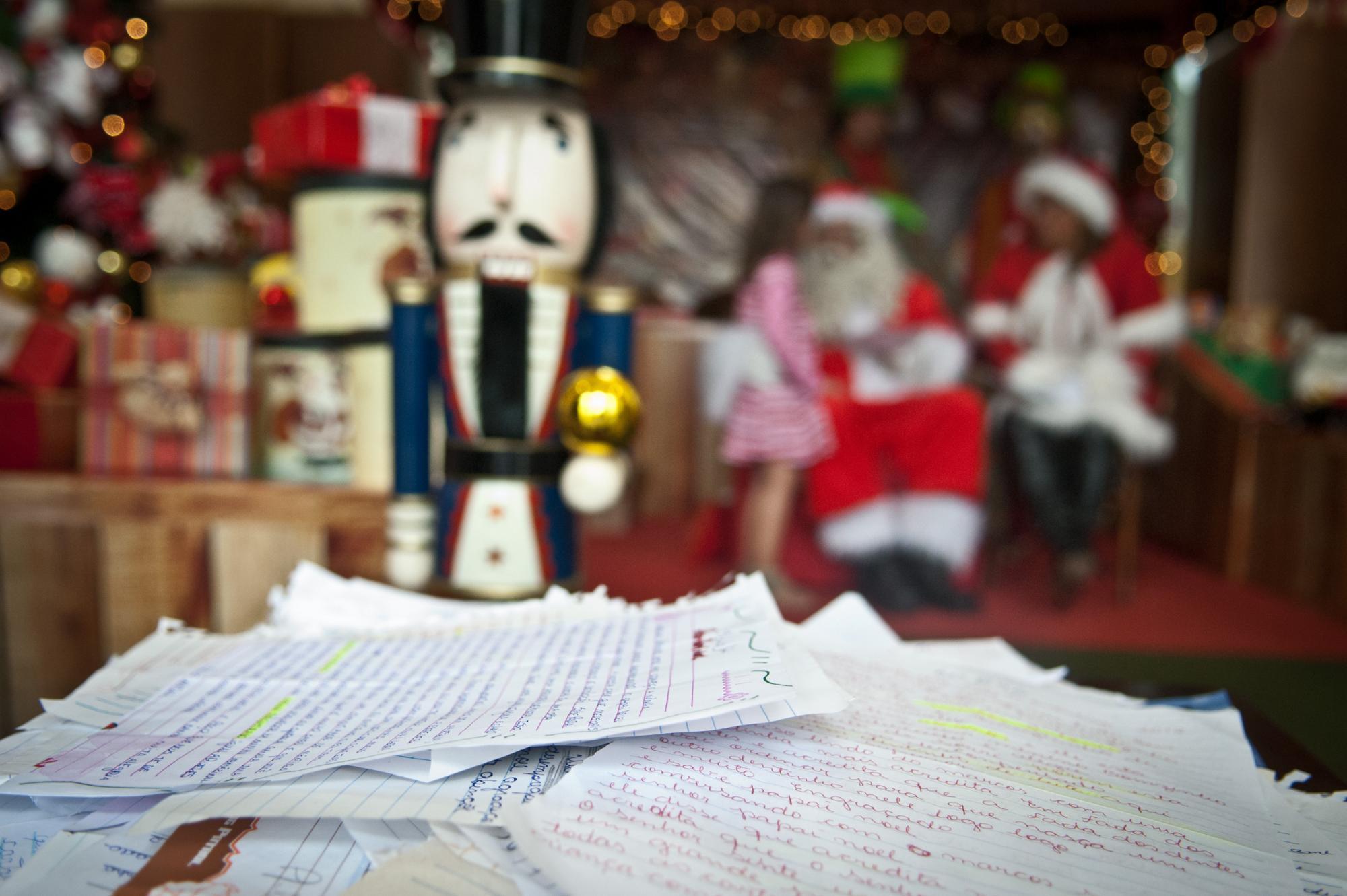Cerca de 60 cartinhas da campanha Papai Noel dos Correios ainda não foram adotadas em Ituporanga