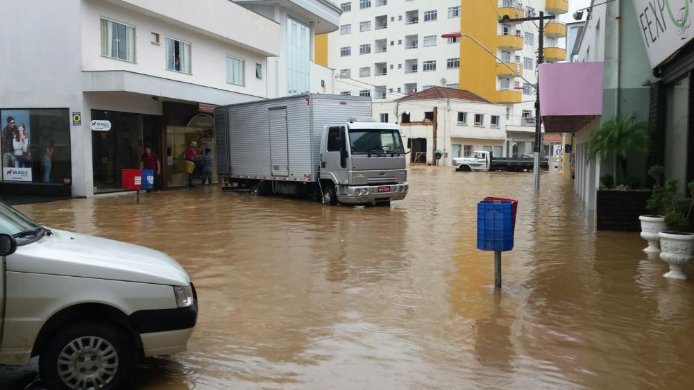 Chuva causa alagamentos em Ituporanga nesta quarta-feira, 21