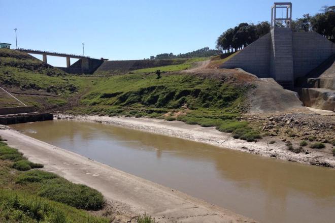 Com 17 meses de atraso, governo de SC promete entregar reforma de barragens no fim do mês
