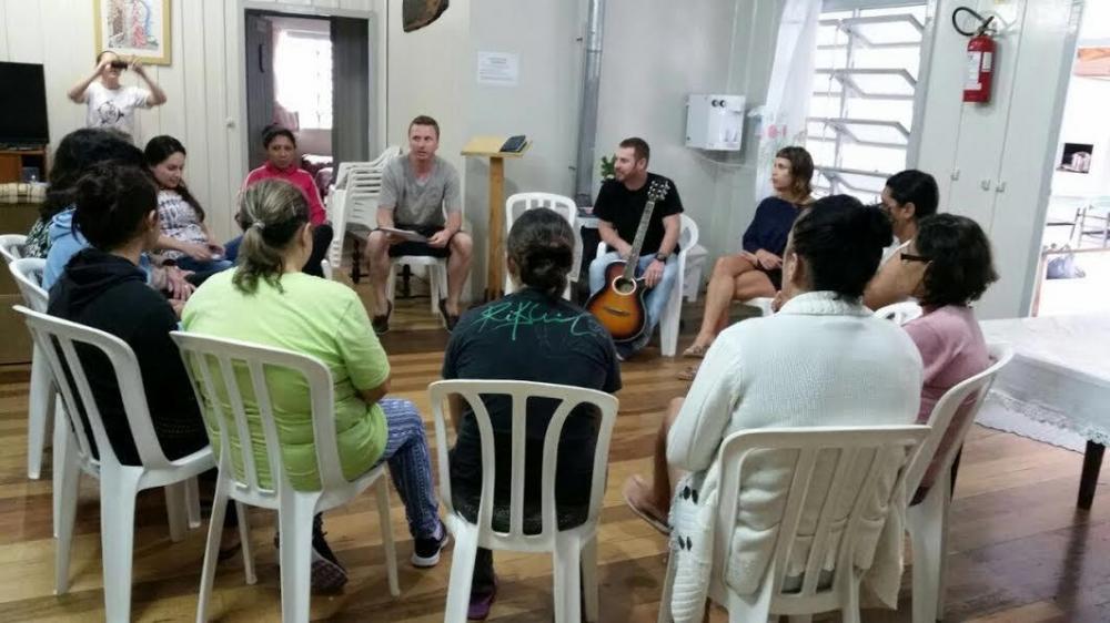 COMAD e voluntários promovem Dia de Beleza no Cerene em Ituporanga