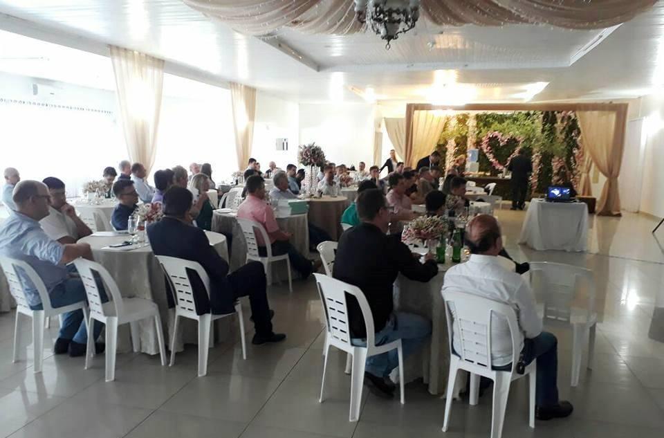 Comércio ambulante foi tema de reunião da FCDL em Ituporanga
