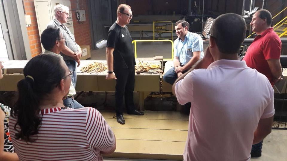 Comissão de Política Agrícola da Fetaesc visita empresas de Tabaco no Alto Vale