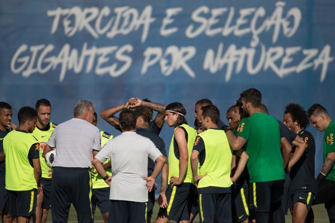 Copa do Mundo: Tite cumpre promessa e revela time da estreia na Copa