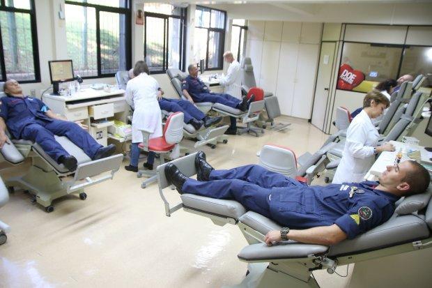 Corpo de Bombeiros reforça a importância da doação de sangue com ação no Hemosc